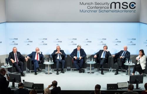 ドイツで安全保障や外交問題を協議する「ミュンヘン安全保障会議」が2月18日まで開かれ、各国首脳や閣僚らが参加した。核問題が主要議題に浮上し米ロ間の緊張が高まった。(写真:MSC/Barth)