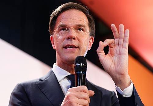オランダ下院選(定数150)の投開票が3月15日行われ、現職のマルク・ルッテ首相率いる与党・自由民主党が33議席を獲得し、現有の40議席から大きく減らしたものの、第1党を維持した。(写真:新華社/アフロ)
