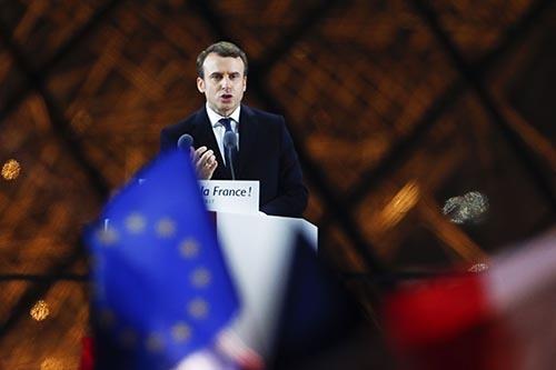 フランス大統領選の決選投票で、極右・国民戦線のマリーヌ・ルペン候補を破って勝利したエマニュエル・マクロン氏。(写真:ZUMA Press/amanaimages)