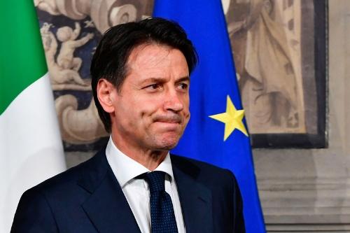 5月27日、組閣断念を余儀なくされ厳しい表情を浮かべるイタリア首相候補のコンテ氏(写真=AFP/アフロ)