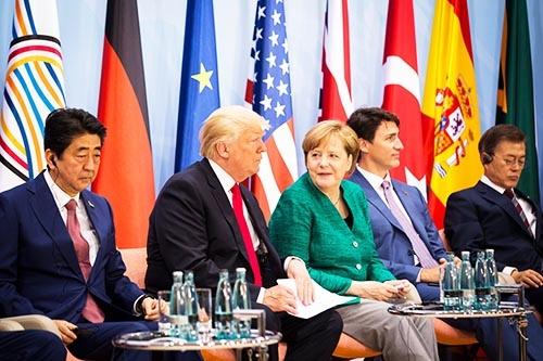 8日に閉幕したG20では、トランプ米大統領の「米国第一主義」と多国間の国際協調主義がぶつかり、米国とその他の国が1対19に分かれて結束できない場面が多かった。(写真:ZUMA Press/アフロ)