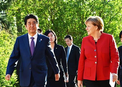 戦後、日本とドイツはともに「奇跡の経済復興」を遂げたが、いま日本はドイツに大きな差をつけられた。(写真:picture alliance/アフロ)