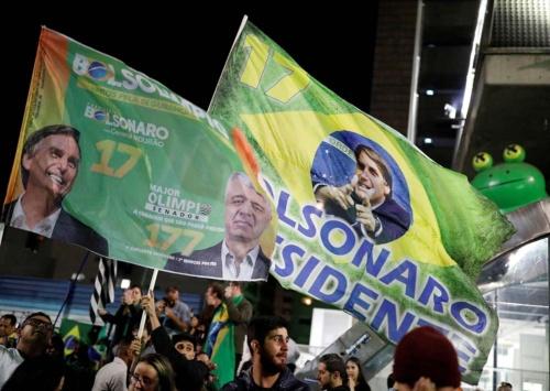 2018年ブラジル大統領選挙の決選投票で、極右ボルソナロ氏が勝利した(写真:ロイター/アフロ)