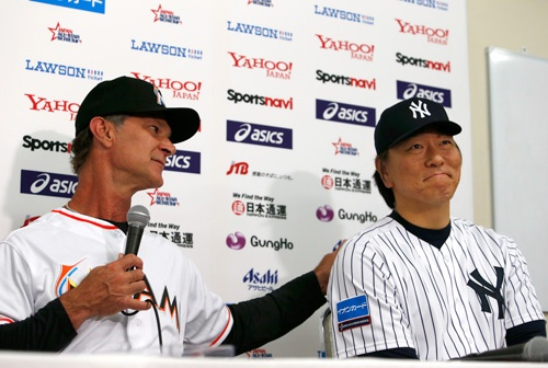 ドン・マッティングリー監督(左)と松井秀喜氏(写真=AP/アフロ)