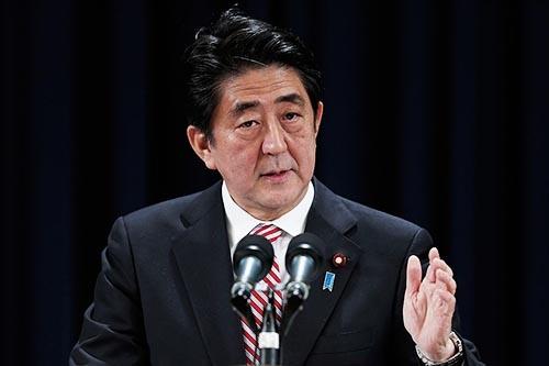 国際社会における日本の安倍晋三首相の役割は重要だ。トランプ氏の排外主義にくぎをさすのは、同盟国である日本の責任である。(写真:Lintao Zhang/Getty Images)