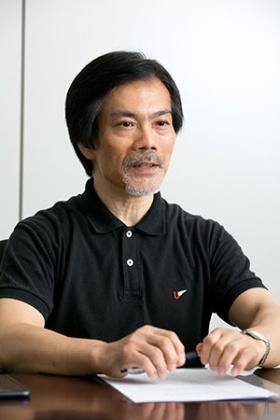 <b>入不二基義(いりふじ・もとよし)</b><br/>1958年生まれ。東京大学大学院博士課程単位取得。専攻は哲学。青山学院大学教育人間科学部教授。主な著書に『あるようにあり、なるようになる 運命論の運命』(講談社)、『時間は実在するか』(講談社現代新書)、『相対主義の極北』(ちくま学芸文庫)、『哲学の誤読』(ちくま新書)など。青山学院大学レスリング部部長、全日本マスターズレスリング連盟理事も務める。(撮影:的野 弘路)