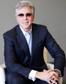 <b>ビル・マクダーモット(Bill McDermott)氏</b><br /> 1961年8月生まれ。調査会社の米ガートナーや米シーベルシステムズ(現米オラクル)などを経て02年にSAPアメリカCEO。10年にSAPの共同CEO、14年から単独CEOに就任。SAP初の米国人トップとなった。10代で起業し、その収入で学費を稼いだ経験を持つ。起業家精神溢れるビジネスマン。(写真:Darren Miller)