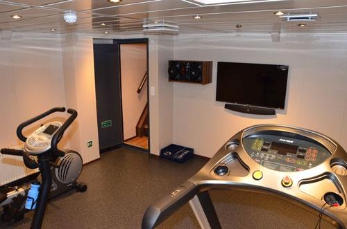トレーニングジムやミニシアターなど船員向けレジャー施設が船内に完備されている。(写真:Norges Sildesalgsla提供)