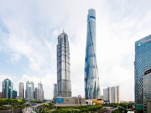 数十人で始めた上海タワーのプロジェクトは、様々な分野の専門家を世界各地のオフィスから集め、開始から3年で150人を超える規模に拡大した(写真:Connie Zhou)