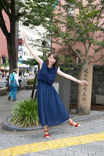 大学生の山名智子さん(23歳)。渋谷に大学生が集まるのは「アクセスがいいという理由だけ」(撮影は的野弘路)