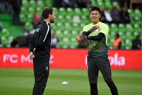 フランス・リーグ・アンのFCメスで、GKとして活躍中。海外チームのGKは、日本以上に強いリーダーシップや高いコミュニケーション力が求められる(写真/アフロ)