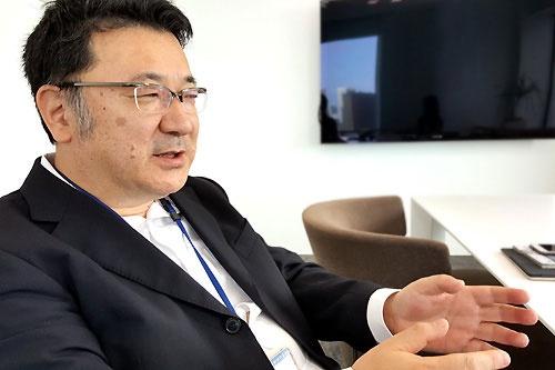 ドワンゴ会長室エグゼクティブプロデューサーの吉川圭三氏。日本テレビで数多くの人気番組を手がけた