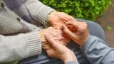 介護者に負担を強いる認知症、予防できるの?