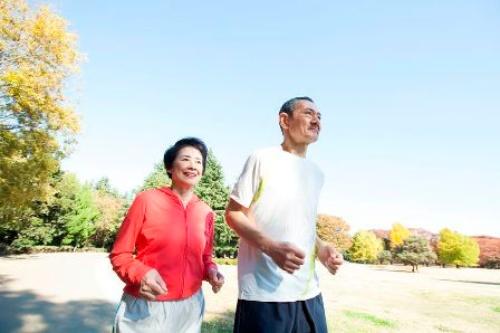 がんといえば重病。運動してもいいのだろうか?(©PaylessImages-123RF)