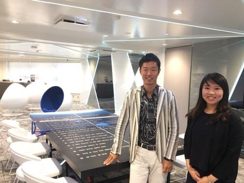 左が同社の近藤悦康代表、右が人材紹介事業部の森田葵氏
