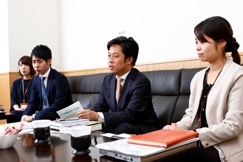 人財採用部のメンバー(写真:竹井 俊晴)