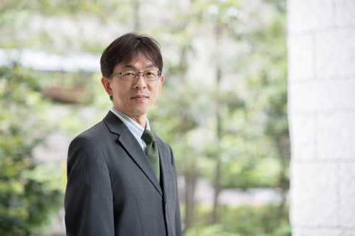 小松氏は米国に在住、「自宅にアマゾンが自分で荷物を運ぶようになってきた」