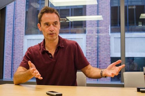 アマゾン・ミュージックのバイスプレジデントを務めるスティーブ・ブーム氏。米ヤフーの上級副社長やシリコンバレーのスタートアップのCEOを歴任後、2012年にアマゾンに入社(写真:Robert Schultze)