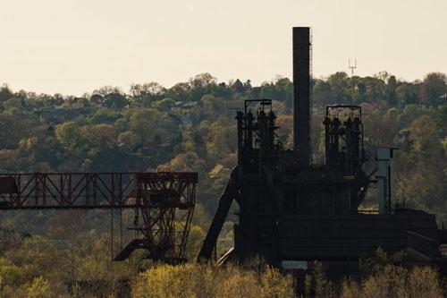モノンガヒラ川沿いの鉄工所跡(写真:Peto Marovich)