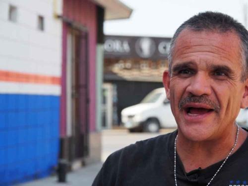 コカインの所持と販売で逮捕されたアレハンドロ。彼は沖縄に本拠を置く第3海兵師団にいた