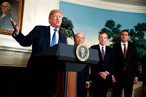"""<span class=""""fontBold"""">米国第一主義を掲げるトランプ大統領だが、貿易の重要性は低下している</span>(写真=AP/アフロ)"""