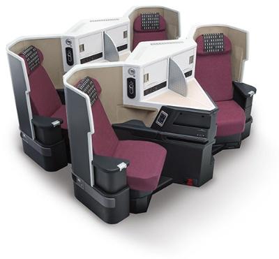ビジネスクラス向けの座席「スカイスイートⅢ」。フルフラットで全席が通路にアクセスできる