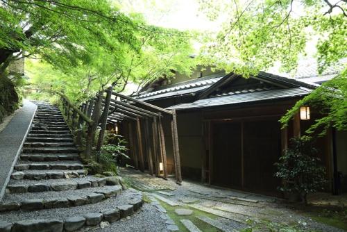 星のや京都は内側でスタッフの働き方について課題を抱えていた(写真:大亀京助)