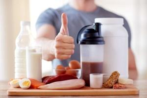 選手の競技能力を向上させるには、食事から得る栄養素も大きなウエイトを占めている。(©dolgachov-123RF)