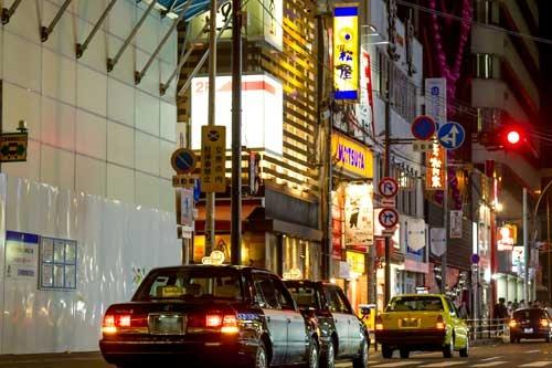 深夜帯に営業している店の料理には少なからず糖質が含まれている。写真はイメージ(写真:菅野勝男)