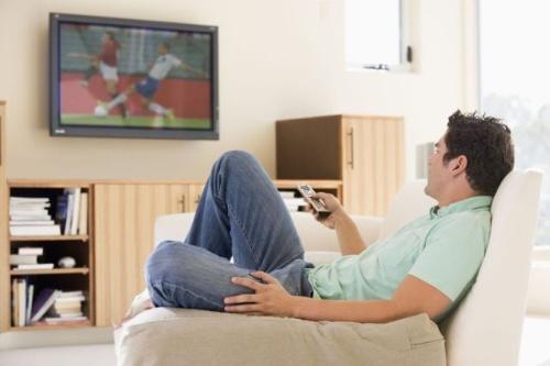 休日に部屋でゴロゴロしていても、実は効率的な休息にはなっていない。(©Cathy Yeulet-123RF)