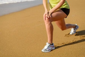 ランニング前の準備運動として、アキレス腱伸ばしでは不十分だった。(©magiceyes-123RF)