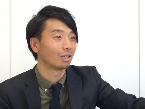 <b>小倉 淳也</b>氏<br />1982年大阪生まれ。大学在学中にロフトのバラエティ売場でアルバイトとして勤務、 卒業後に社員に。2012年、商品部バラエティ雑貨部バイヤー。2016年、商品部キャラクター雑貨部企画開発担当