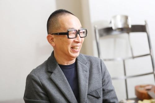 グラフィックデザイナーの佐藤卓氏(撮影/鈴木愛子)