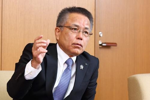 「来年以降、どんなことが起こるか楽しみにして下さい」と語る神出元一理事長