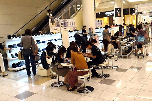 名古屋市のイオンモール大高に展開した移動型の体験ストア
