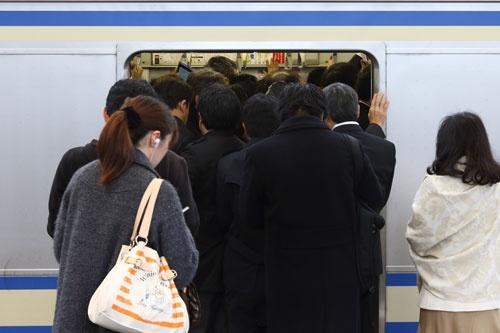 11月下旬、武蔵小杉駅横須賀線ホームにて(撮影:北山宏一)