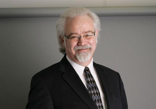 世界の総務部のあり方に詳しい一般社団法人ファシリティ・オフィスサービス・コンソーシアムのクレイグ・カックス副代表理事