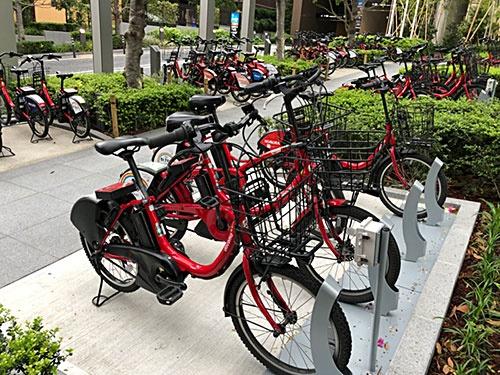 バスやタクシー代わりとして便利な東京のシェア自転車、通称「赤チャリ」