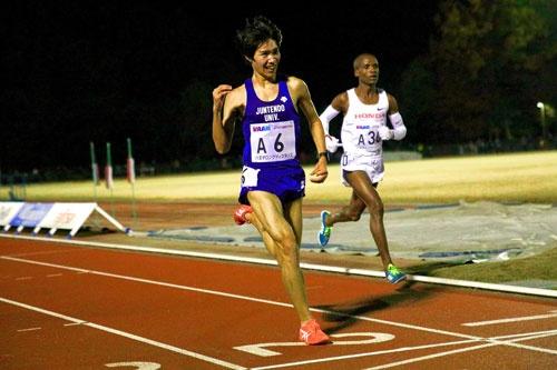 順天堂大学の塩尻和也選手はリオ五輪3000m障害に出場。箱根では2年連続で花の2区を任され、2017年は8人抜きの快走で大会を盛り上げました