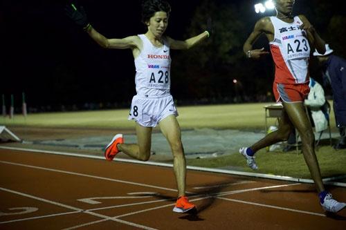 ハーフ日本新、マラソン自己ベスト更新の設楽悠太選手の足元には、ナイキの「超厚底」が