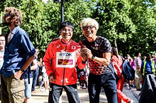 競歩男子50キロで見事、銅メダルを獲得した小林快選手(ビックカメラ)とパチリ。取材です。自腹です