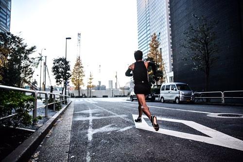 皇居・東京駅付近の雰囲気をお伝えすべく、西本、走っております