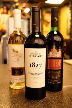 モルドバワイン。中央の「プルカリ」はモルドバ南東部のプルカリ村にあるワイナリーで、英国王室やロシアの皇帝に愛された