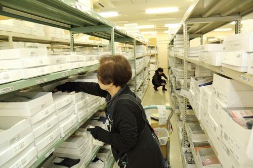 奈良県広陵町にある物流センター、「タビオ奈良」。ここから靴下専門店「靴下屋」など全国の各店舗へ商品を毎日配送する(写真:大亀京助)