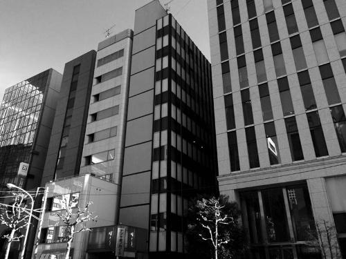 キッズコーポレーションの本社が入っていたビル(右から2番目の建物)