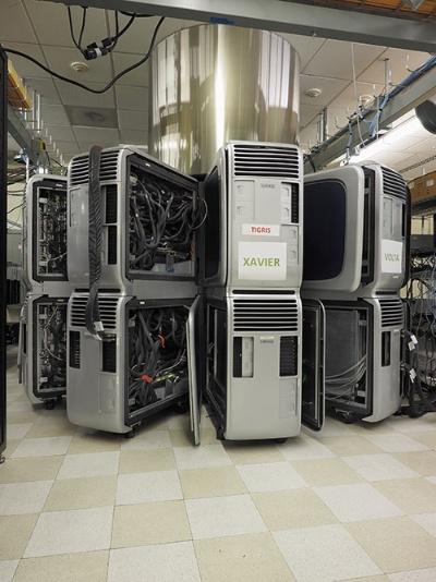 エヌビディア本社の一角にある開発施設。量産前製品の最終テストが進む(写真=林 幸一郎)