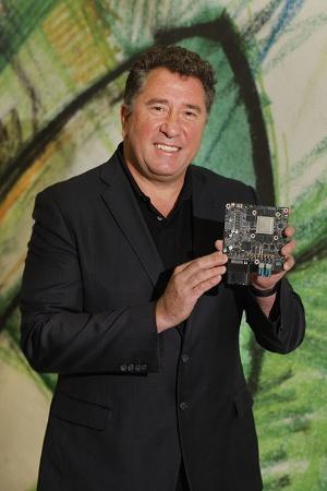エヌビディアで自動車事業を統括するロブ・チョンガー副社長(写真:林 幸一郎)
