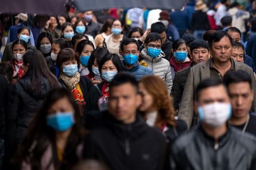 新型コロナウイルスの感染拡大にともない、東南アジアではこれまでなじみが薄かったマスクを着用する人が増えている。写真はベトナムの首都ハノイ(写真=Linh Pham/Getty Images)
