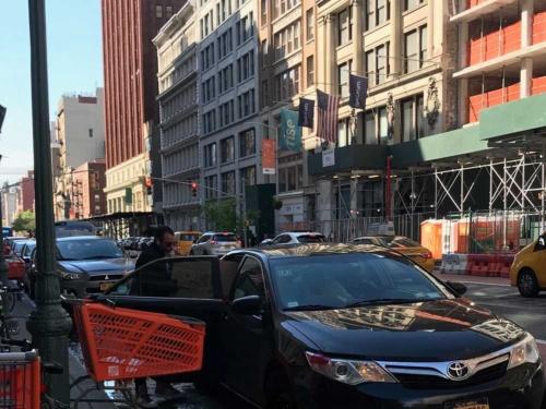 マンハッタンではクルマを所有しない多くの人が重い荷物を運ぶときなどにウーバーを使っている。筆者も赴任の引っ越しで多用している