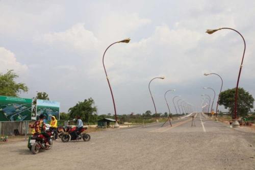 今年4月に完成した国境をつなぐ「友好橋」